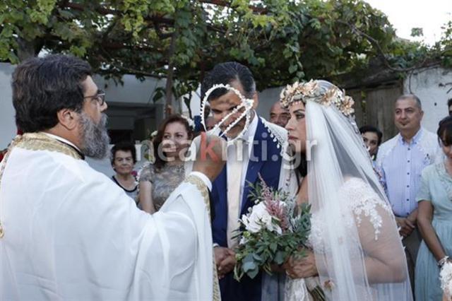 Νυφούλα ξανά η Μαρία Τζομπανάκη -Την  παρέδωσε  ο γιος της, Ορφέας Αυγουστίδης [photos]