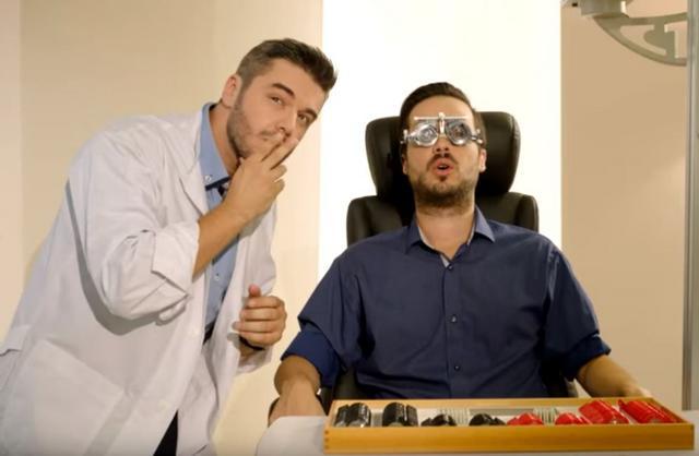 Ο γιατρός Πολυχρονίδης & η σέξι νοσοκόμα Τζούλια ξαναγυρίζουν τον Τροχό της Τύχης [vds]