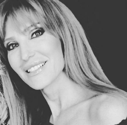 Η τρυφερή αφιέρωση της Βίκυς Χατζηβασιλείου στα γενέθλια της μητέρας της [photo]
