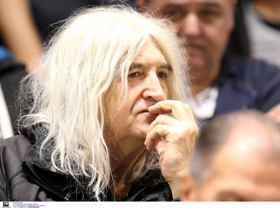 Νίκος Καρβέλας: Η βίλα που νοίκιασε στην Εκάλη μετά το χωρισμό [photo]