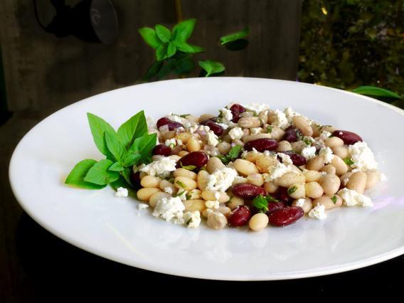 Φασόλια σαλάτα με φέτα & βασιλικό αλά Pandespani