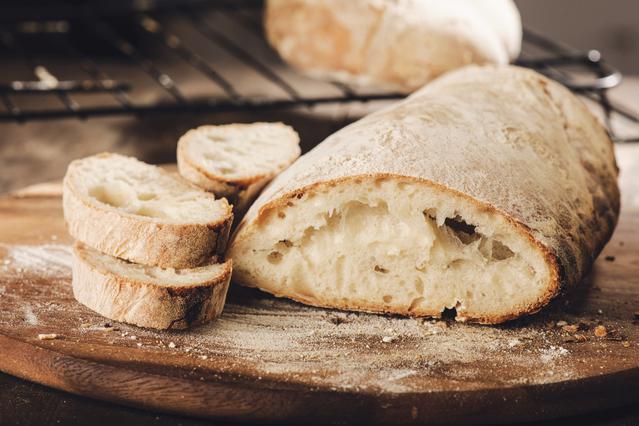 Η πιο έξυπνη χρήση του μπαγιάτικου ψωμιού: Δεν πετάμε τίποτα