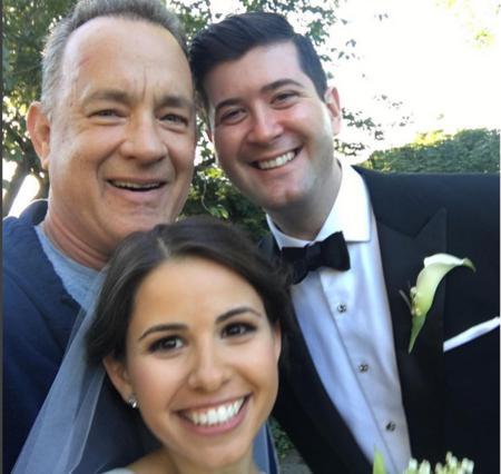 O Τομ Χανκς πάει απρόσκλητος σε γάμο και το διασκεδάζει τρελά [photos]