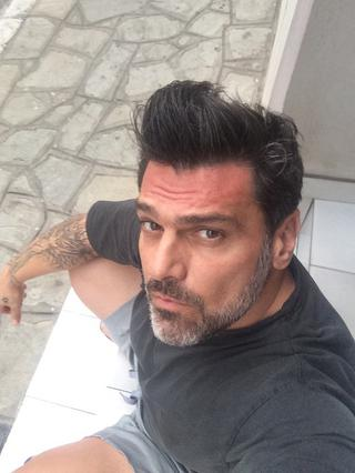 Τόνυ Μαυρίδης: Έπεσε θύμα ληστείας μέσα στη μεζονέτα του [vds]