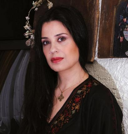 Μαρία Τζομπανάκη: Οι τρυφερές αποκαλύψεις για το γάμο & το γιο της [vds]