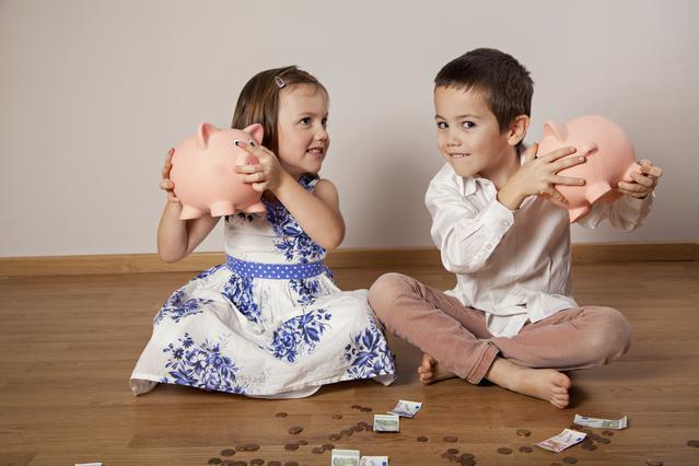 Πώς θα μάθετε στο παιδί να κάνει οικονομία