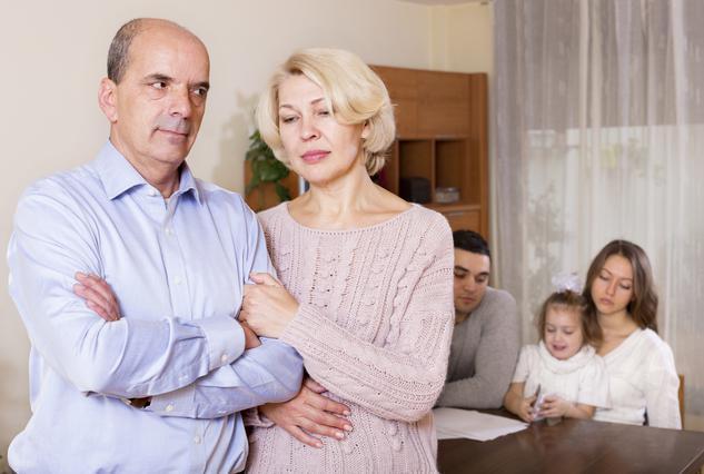Η επιστροφή στο πατρικό κάνει καλό στους γονείς [Για τα παιδιά όμως;]