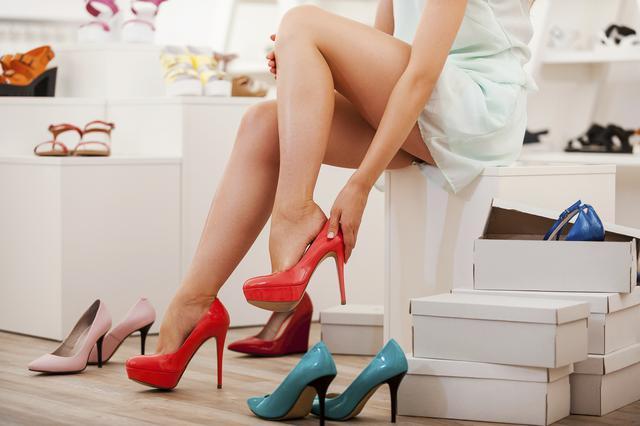 Τεστ: Πόσο τακούνι είναι ιδανικό για εσένα: Ψηλοτάκουνο ή φλατ;