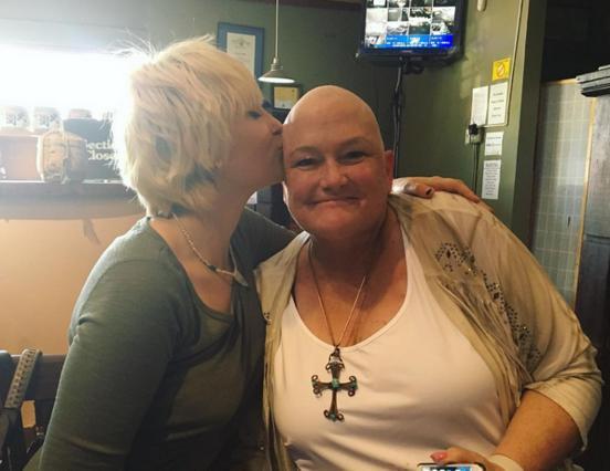 Πάρις Τζάκσον: Στο πλευρό της μητέρας της που πολεμά τον καρκίνο [photo]
