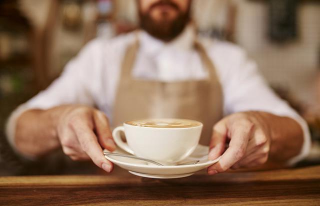 Είσαι αγενής; Θ΄αγοράσεις πιο ακριβά τον καφέ