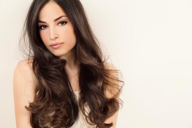 Μαλλιά & περίοδος: 3 μυστικά που πρέπει να ξέρεις