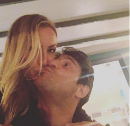 Ρούλα Ρέβη & Αλέξης Γεωργούλης: Το φιλί στο στόμα που άναψε  φωτιές  [photos]