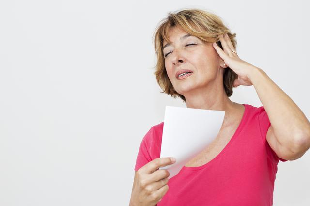 Τι φταίει για τις εξάρσεις της εμμηνόπαυσης;