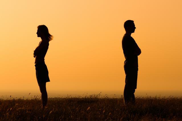 Διαζύγιο για Κέιτ Μπέκινσειλ & Λεν Γουάιζμαν -Τρίτο πρόσωπο στη μέση