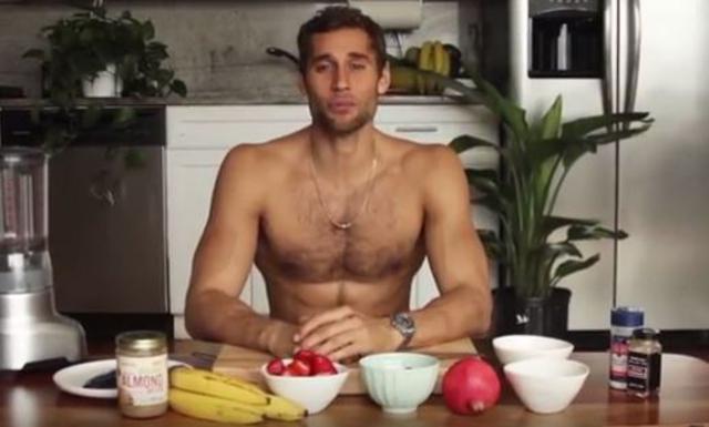 Ο πιο σέξι σεφ γίνεται viral