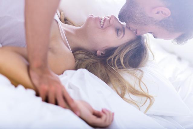 Γιατί νιώθουμε τόσο όμορφα στην ερωτική κορύφωση;