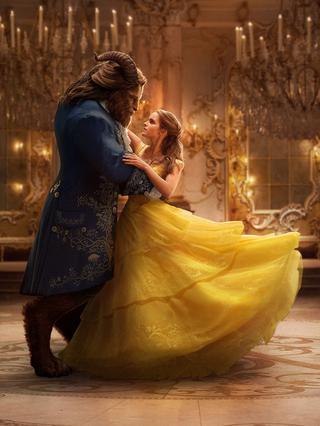 Η Έμα Γουάτσον εντυπωσιάζει ως  Πεντάμορφη  -Ιδού το τρέιλερ της ταινίας [vds]