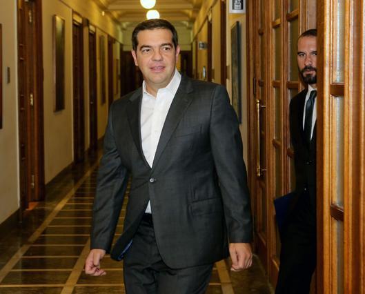 Ο Αλέξης Τσίπρας όπως δεν τον έχεις ξαναδεί με τζινάκι κι πουπουλένιο [photos]