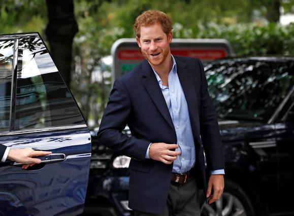 Γάμος στο παλάτι; Ο πρίγκιπας Χάρι γνώρισε το κορίτσι του Μαρκλ Μέγκαν στον αδελφό Γουίλιαμ & την Κέιτ