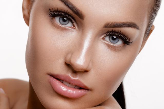3 νέες τρικ μακιγιάζ σε αδυνατίζουν στο λεπτό
