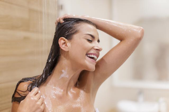 6 λόγοι για να λούζεις τα μαλλιά σου με ξίδι