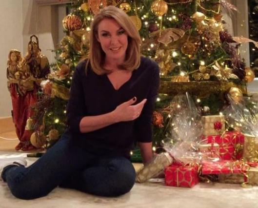 Secret Santa έγινε η Τατιάνα Στεφανίδου: Δες το χριστουγεννιάτικο δέντρο της [vds]