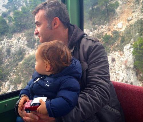 Νίκος Ορφανός: Η απίστευτη αντίδραση του γιού του στη θέα αλόγου [Photo]