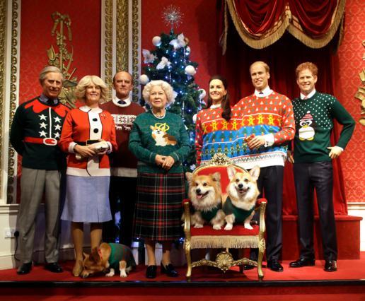 Μπάκινχαμ: Η πιο κιτς φωτογραφία της βασιλικής οικογένειας έχει γίνει viral [photo & vds]