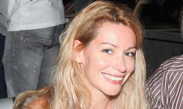 Έξι μηνών η Άριελ Κωνσταντινίδη: Δες τη φουσκωμένη κοιλίτσα της [vds]