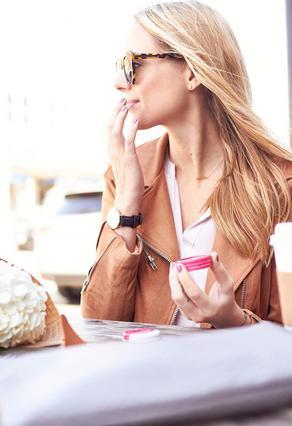 7 τρόποι να χρησιμοποιήσεις τη βαζελίνη για την ομορφιά σου