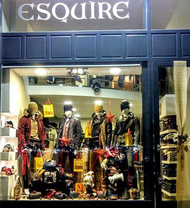 Το ανανεωμένο Esquire Shop μας υποδέχεται στην καρδιά της Άνω Γλυφάδας