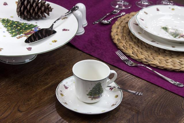 Το σωστό στήσιμο σε ένα επίσημο ή γιορτινό τραπέζι αλ Καρούζο