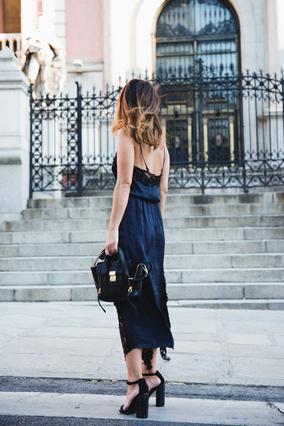 Slip dress: Το κομμάτι-κλειδί της σεζόν