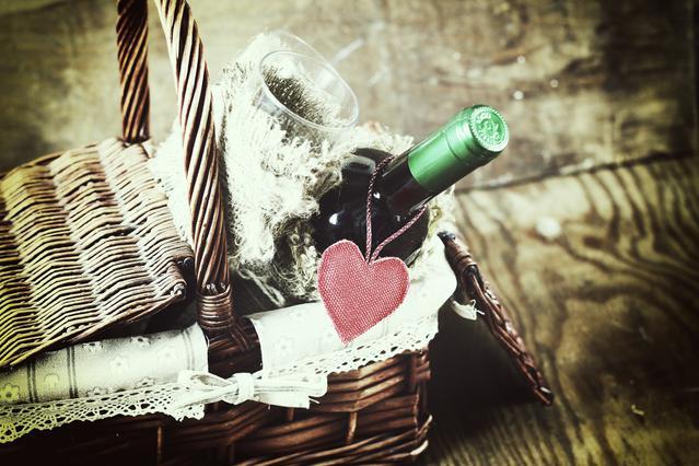 Ιδέες της τελευταίας στιγμής: 3 χριστουγεννιάτικα καλάθια δώρου όλο γεύση & άρωμα!