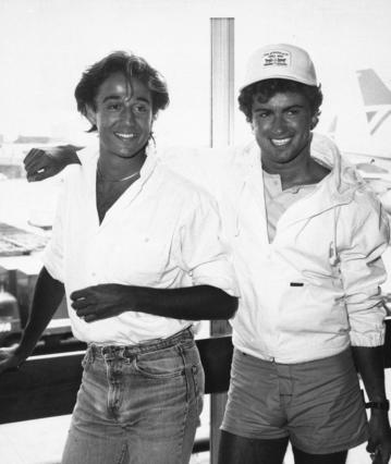 Άντριου Ρίτζλεϊ: Το συγκινητικό  αντίο  του άλλου μισού των Wham στον Τζορτζ Μάικλ [photos]