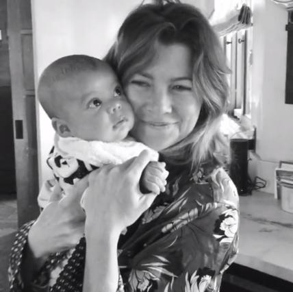 Έλεν Πομπέο: Σκέτη γλύκα ο χορός με τον νεογέννητο γιο της [vds]