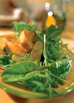 Σκορδάτη σαλάτα με σπανάκι