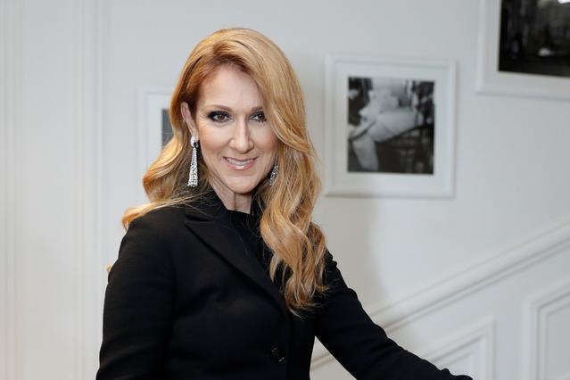 Ακόμη πιο ξανθιά: Πλατινέ μαλλί για τη Σελίν Ντιόν [photo]