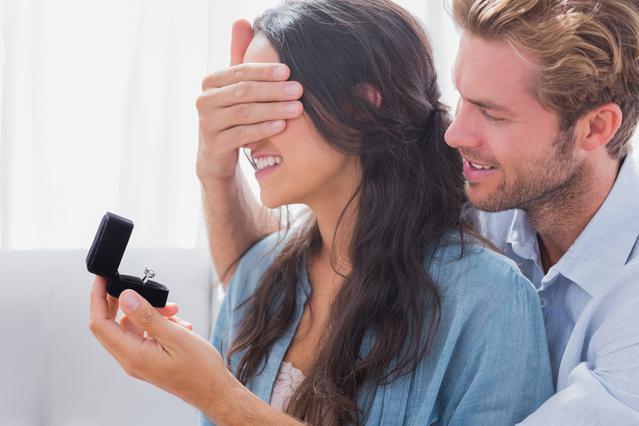 Γιατί ΔΕΝ σου κάνει την πρόταση; 12 λόγοι που δε σε ζητάει σε γάμο