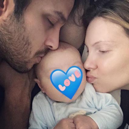 Χριστίνα Αλούπη: Μας δείχνει για πρώτη φορά το νεογέννητο μωράκι της [photo]