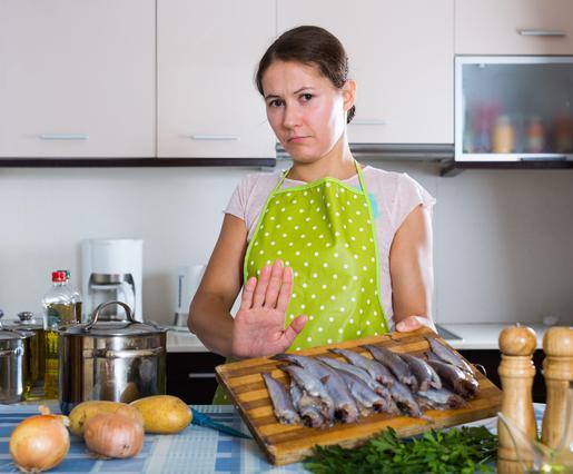 Πώς θα διώξεις τη μυρωδιά της ψαρίλας από την κουζίνα