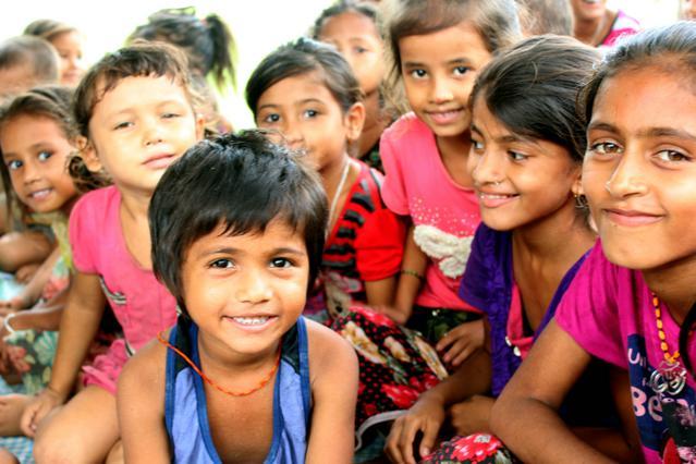 Μεταμορφώνοντας μια κοινότητα:  πριν και μετά το Πρόγραμμα Αναδοχής Παιδιού