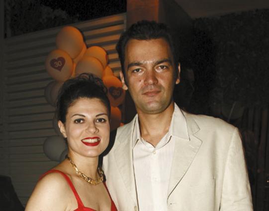Ιδού η 16χρονη κούκλα κόρη του Κωνσταντίνου Καζάκου και της Τάνιας Τρύπη [photo]