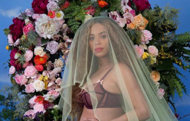 Έγκυος σε δίδυμα η Μπιγιονσέ: Ιδού πώς το ανακοίνωσε η ίδια [photo]