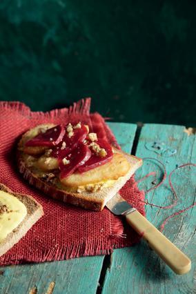 Μπακαλιάρος πανέ σε χωριάτικο ψωμί με αγιολί