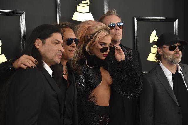 Lady Gaga: Η γυμνή δερμάτινη εμφάνιση που συζητήθηκε πολύ [photos]