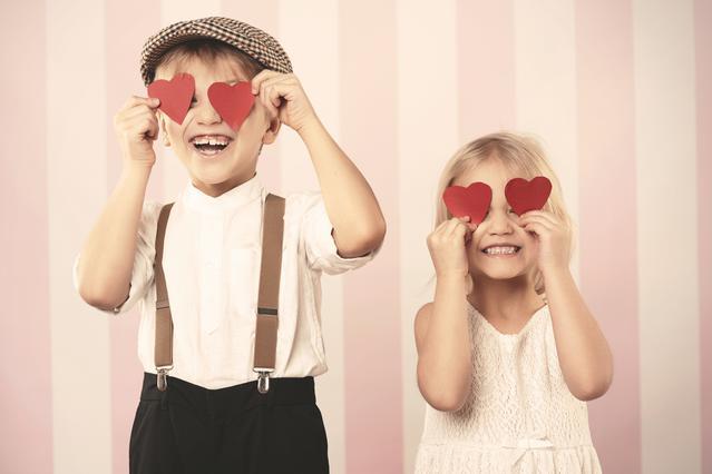 Πώς θα γιορτάσεις τον Βαλεντίνο μαζί με τα παιδιά σου! Ιδέες για να περάσετε όλοι καλά