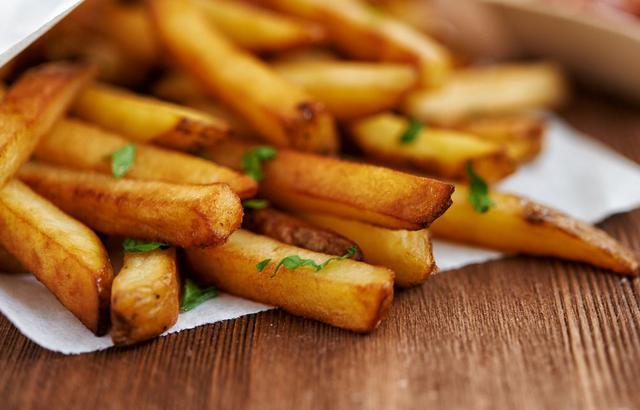 Φριτέζα ή τηγάνι; Πού να τηγανίζεις τις πατάτες;