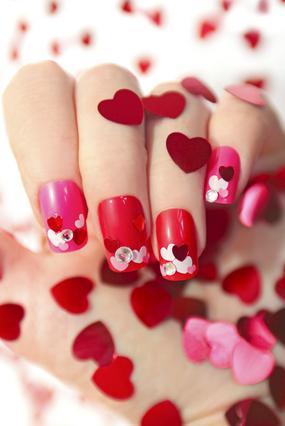 Σούπερ σχέδια για τα  νύχια για ερωτευμένες