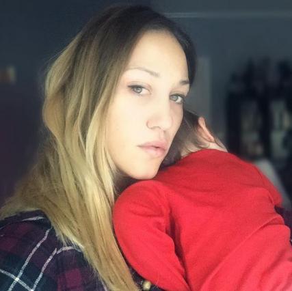 Πηνελόπη Αναστασοπούλου: Η τρυφερή στιγμή του θηλασμού & η υπέροχη θέα [photo]